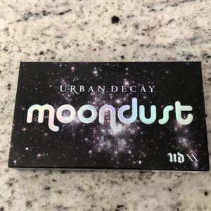 Moondust Eyeshadow Pallet - Urban Decay